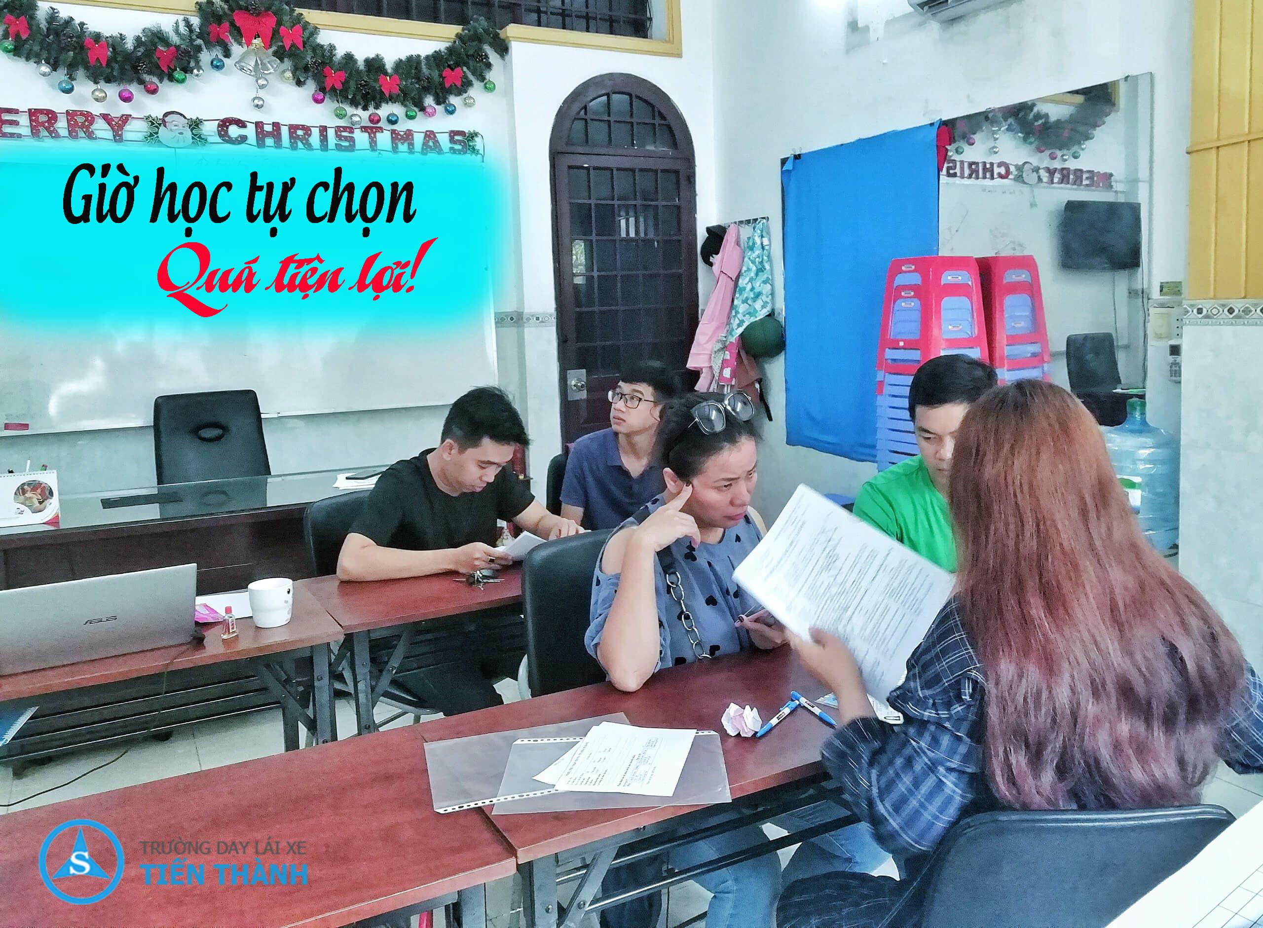 Gio_hoc_lai_xe_o_Binh_Tan_linh_dong